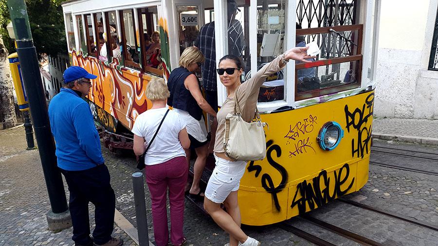 Ascensor da Gloria ride down the hil - Lisbon