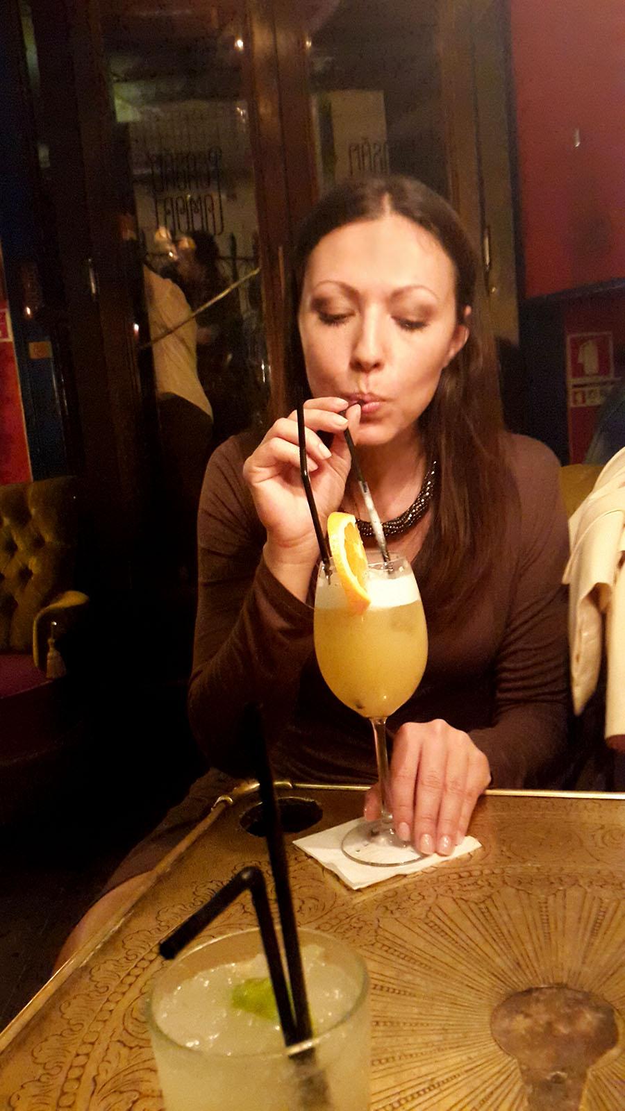 Drinking cocktails in Pensão Amor - Lisbon