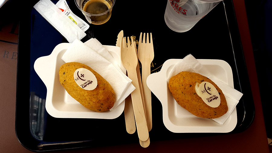 Pastel de bacalau - pastry - Rua Augusta street
