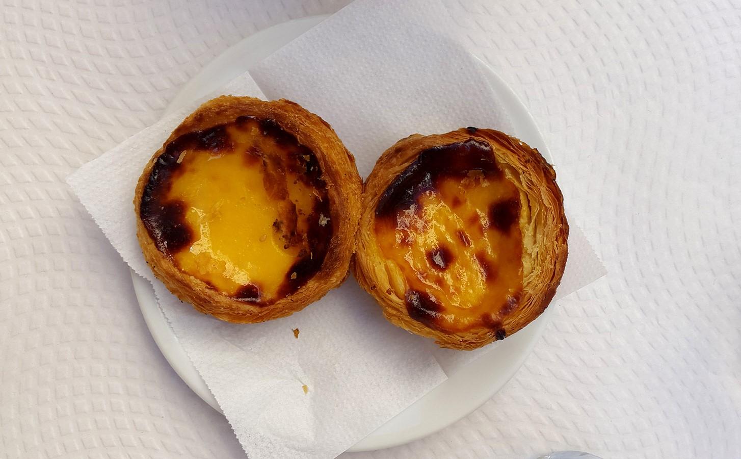 Pastel de nata - best pastry in Lisbon