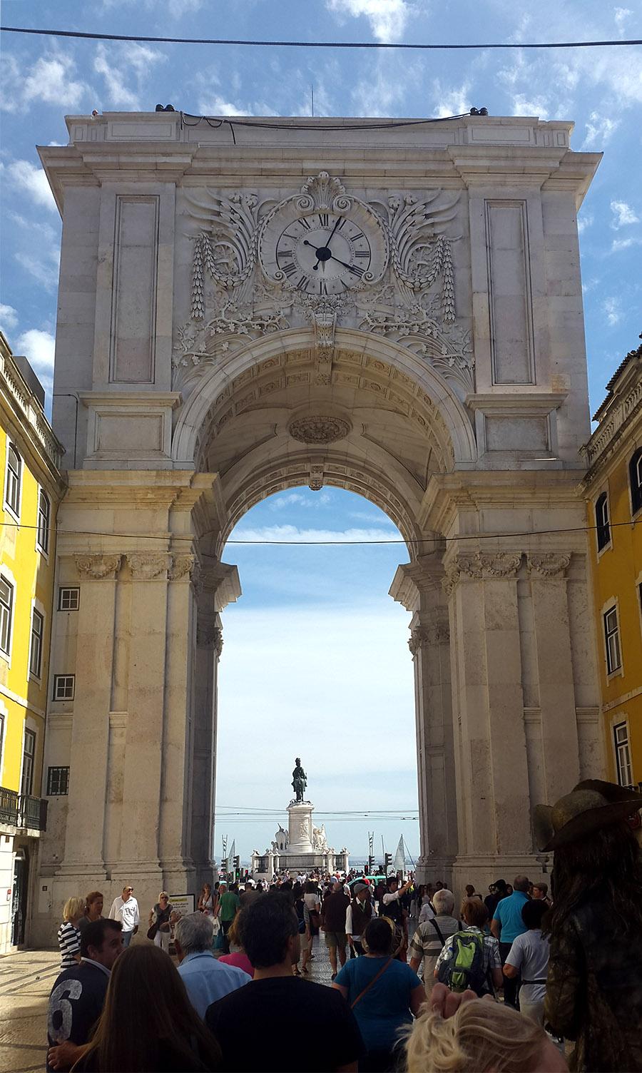 Rua Agusta Arch - view from Rua Agusta street - Lisbon