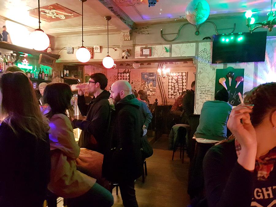 Wacky bar Berlin