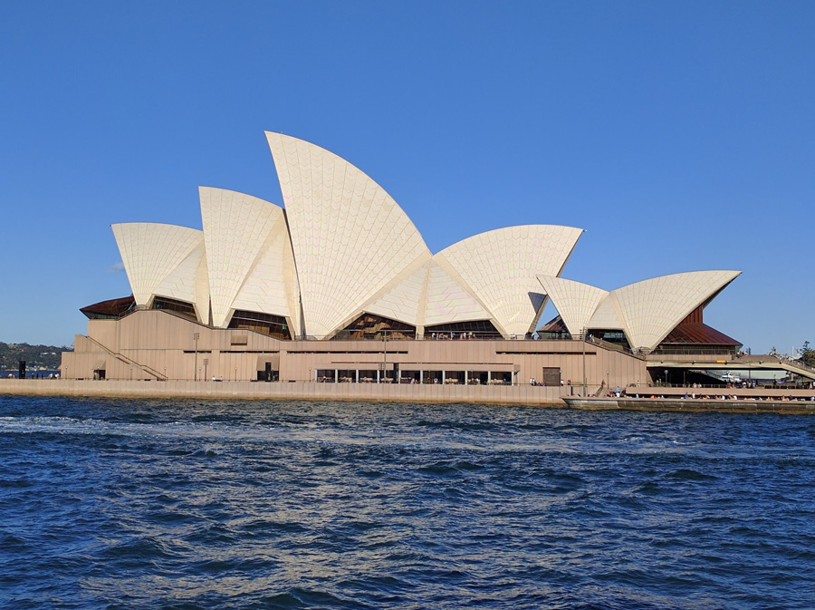 Sydney Opera house view from the-ferry